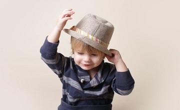 Pour les fêtes, habillez votre petit garçon chez Kiabi : une large sélection de vêtements et tenues