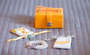 Astuces pour emporter ses bijoux en vacances