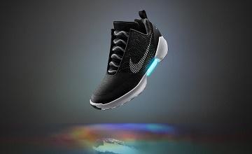 Nike HyperAdapt : Les chaussures auto-laçantes qui vont faciliter la vie des parents !