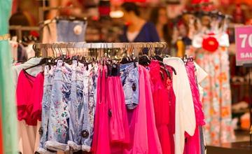 Balmain pour H&M : Les magasins, pris d'assaut, sont déjà en rupture de stock